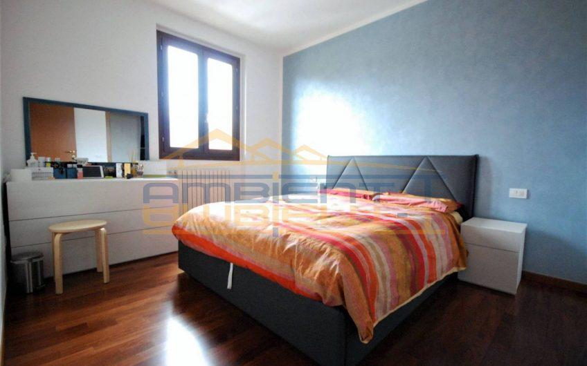 Recente appartamento su due livelli con vista panoramica