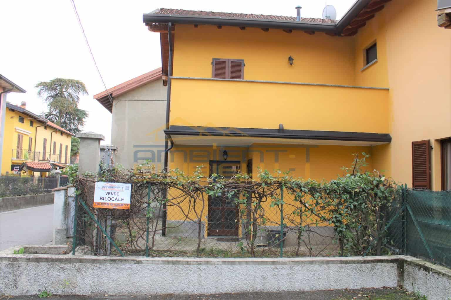 Robbiate - Soluzione indipendente di due locali. Giardino e posto auto.